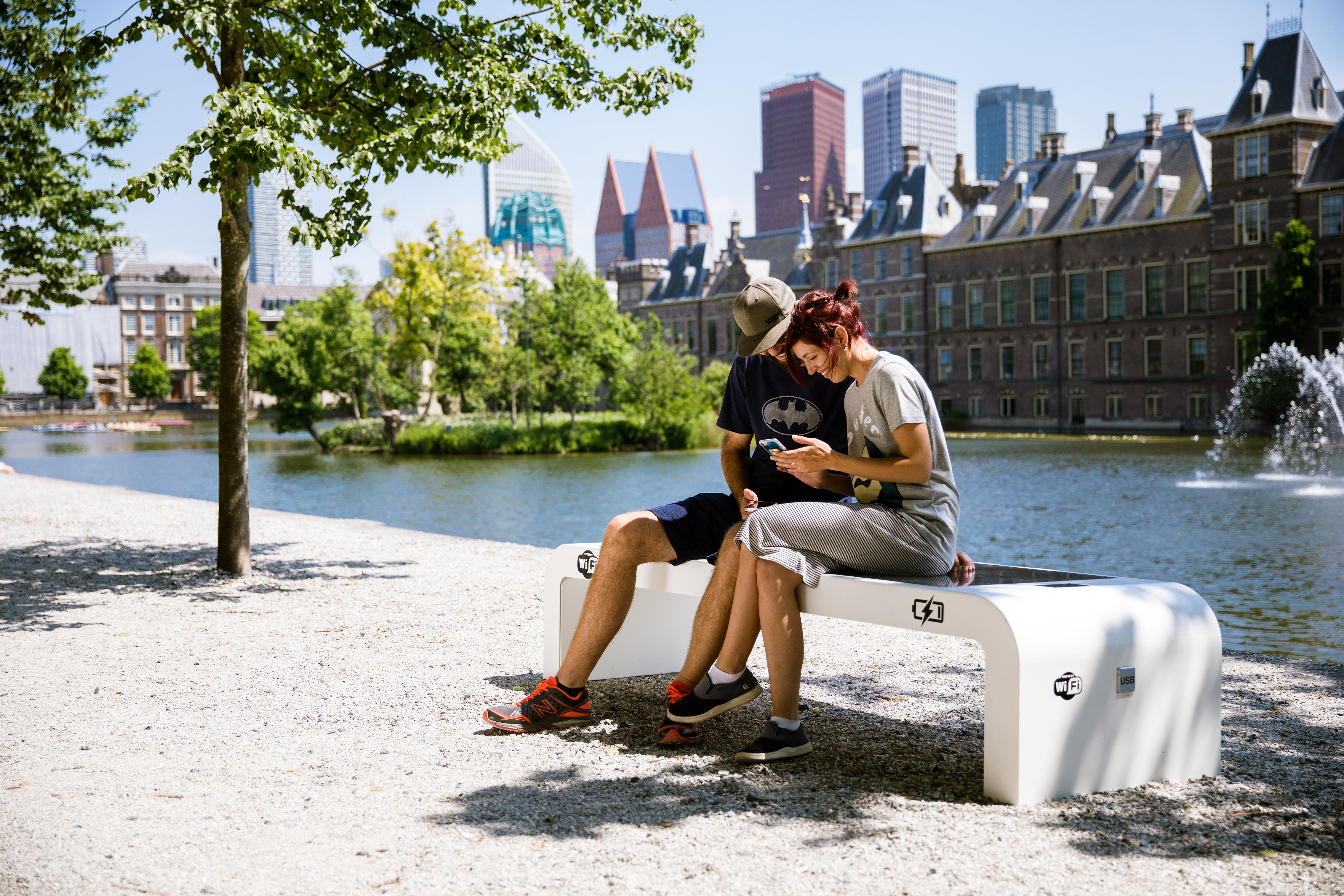 Solar Bench couple using
